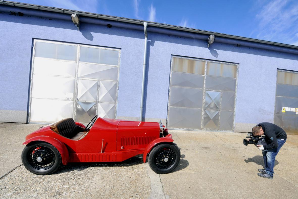 Závodní automobil Wikov