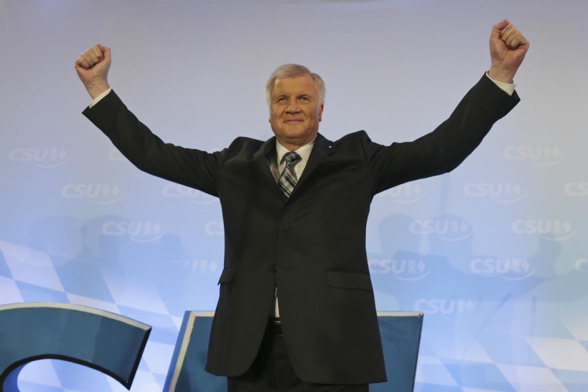 Seehofer může slavit. Jeho strana vyhrála bavorské volby