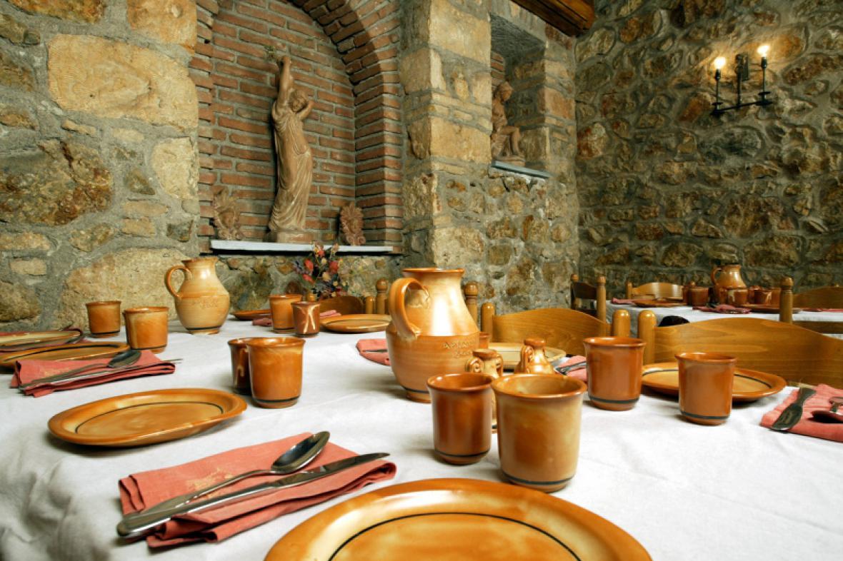 Interiér restaurace Archeon Gefsis