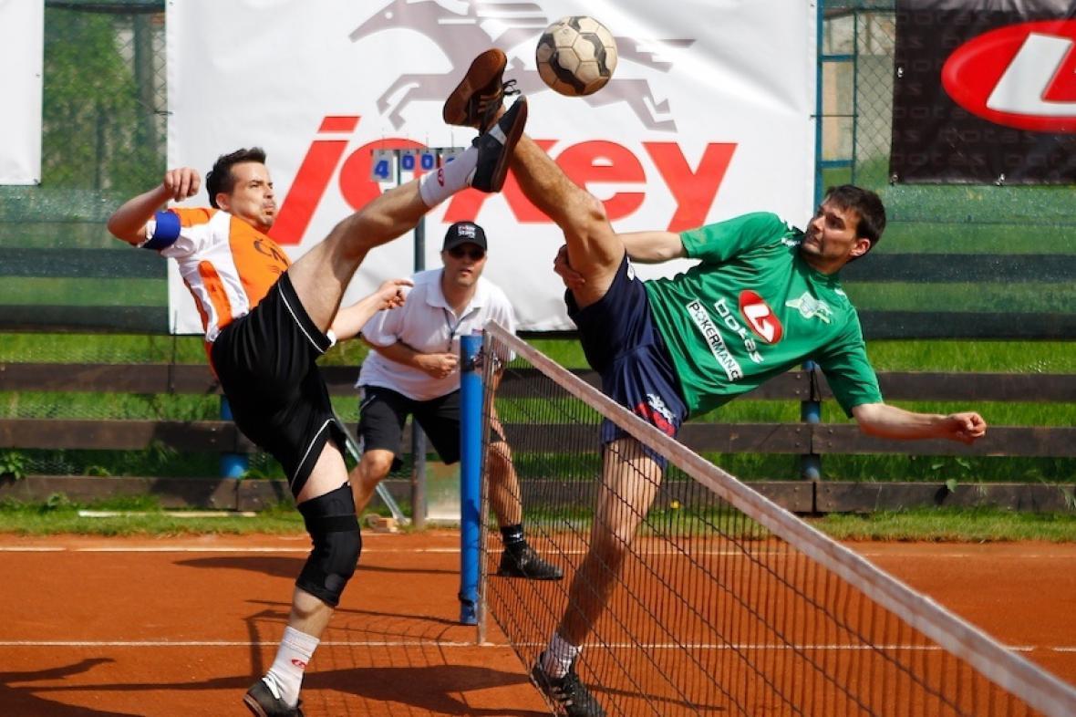 Jan Kaděra, Martin Flekač spolu s trenérem Michalem Douckem (uprostřed)