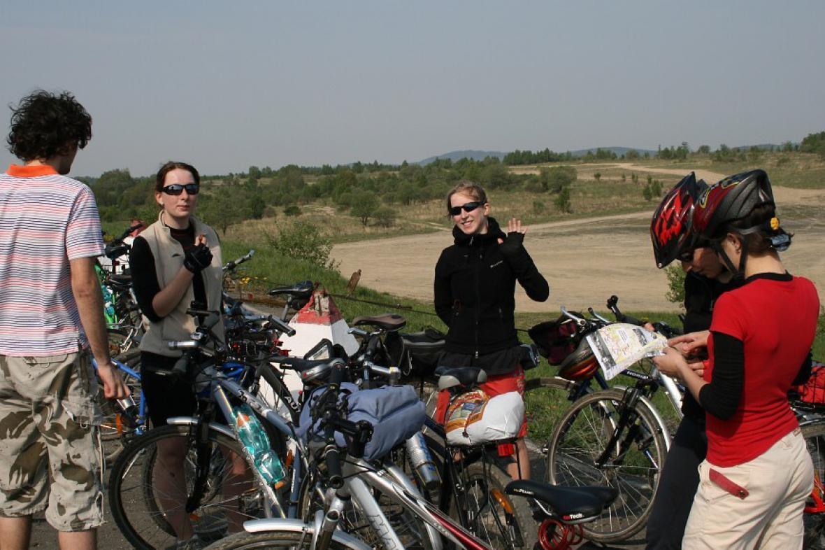 Cyklisté na akci Bílý kámen