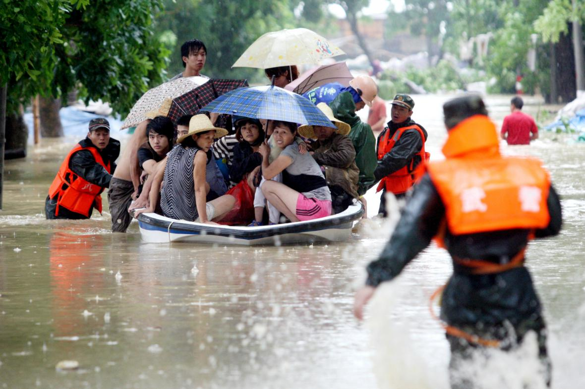 Utor vyhnal z domovů tisíce lidí