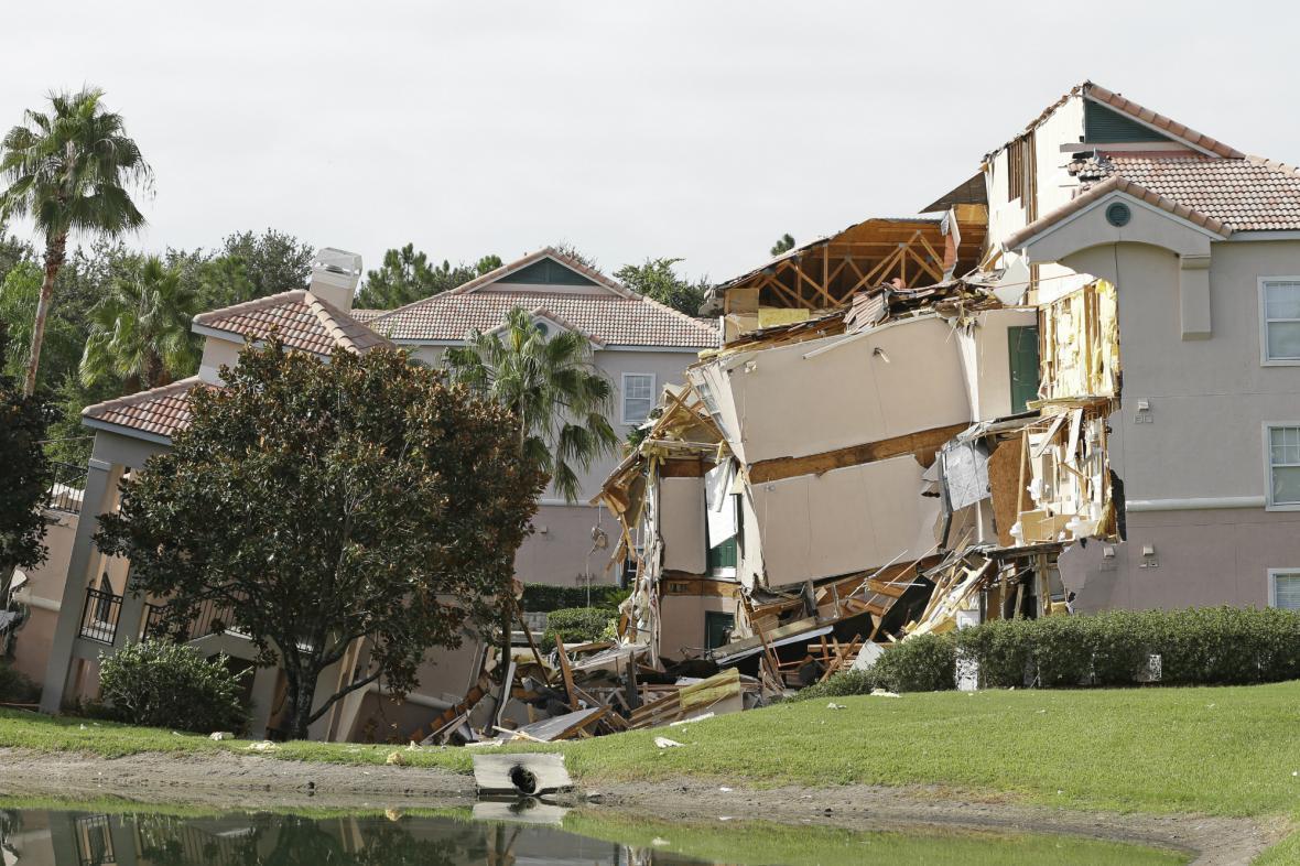 Floridský hotel se propadl do podloží