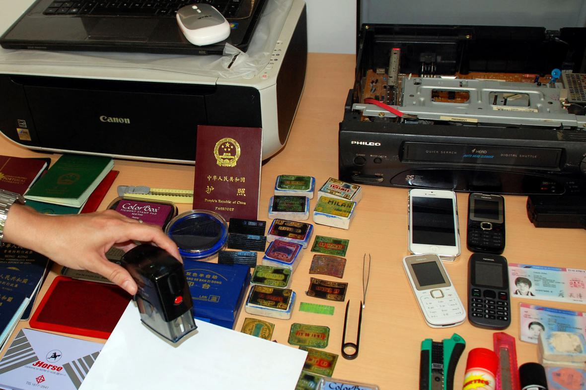 Falešné pasy zadržené španělskou policií