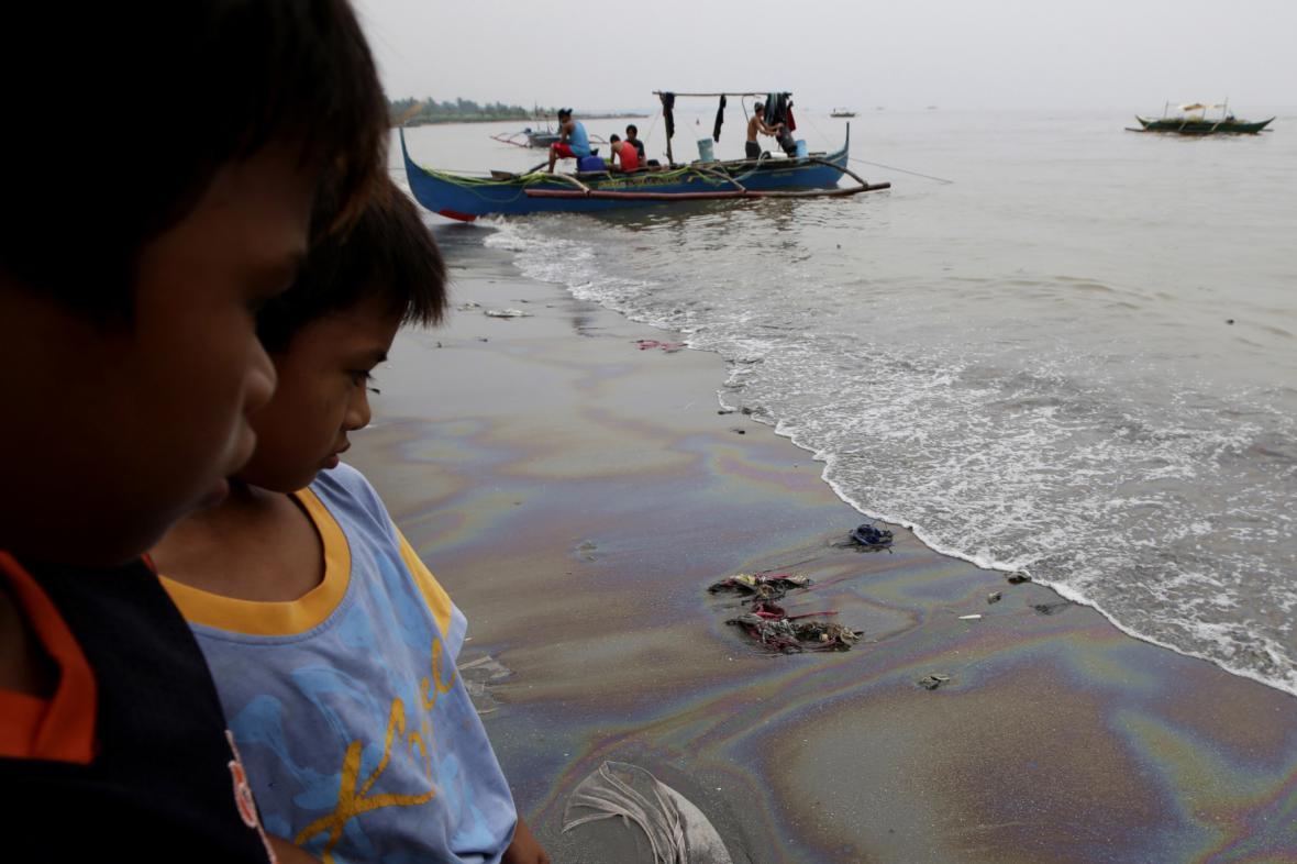 Skvrna v Manilském zálivu