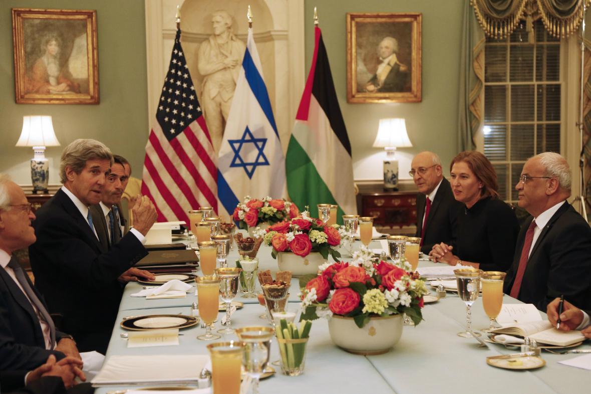Izraelsko-palestinské rozhovory začaly slavnostní večeří