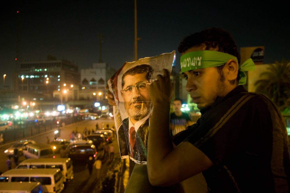 Mursího stoupenec v Káhiře