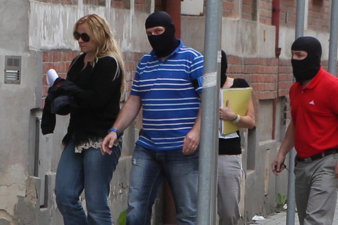 Jana Nagyová přichází na ostravskou policejní služebnu