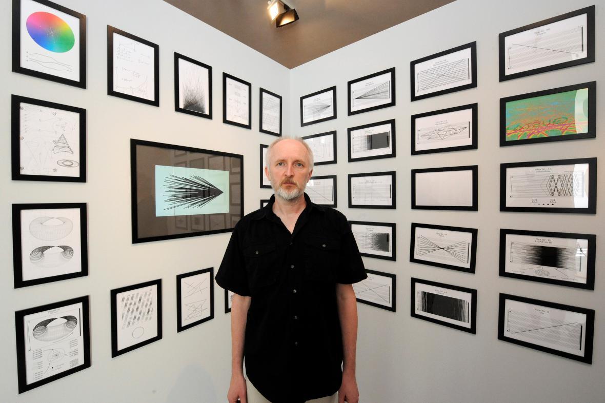 Milan Guštar vystavuje v DOXu
