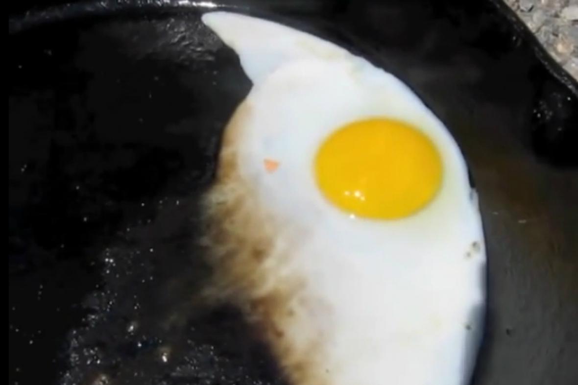 Na zemi v Údolí smrti lze usmažit vajíčka