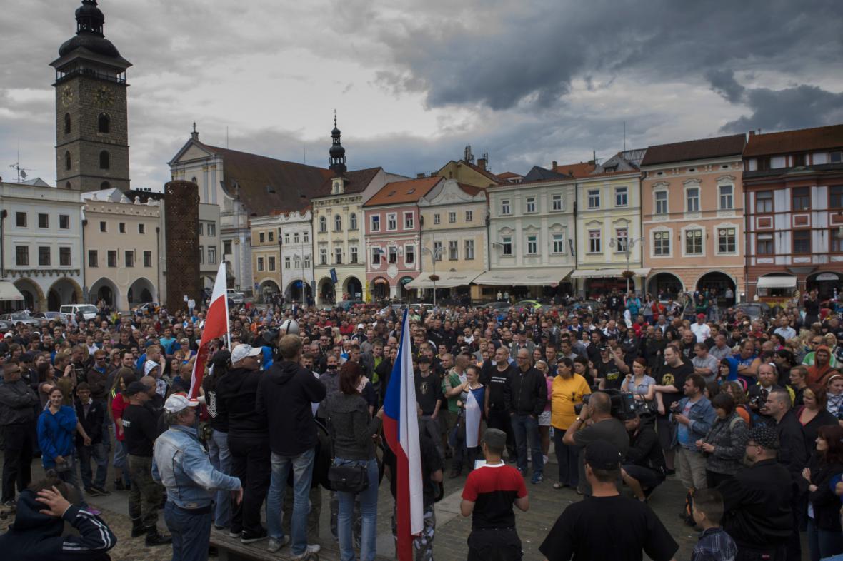 Demonstrace na náměstí v Českých Budějovicích