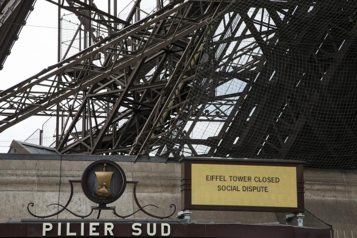 Eiffelova věž má zavřeno - zaměstnanci stávkují