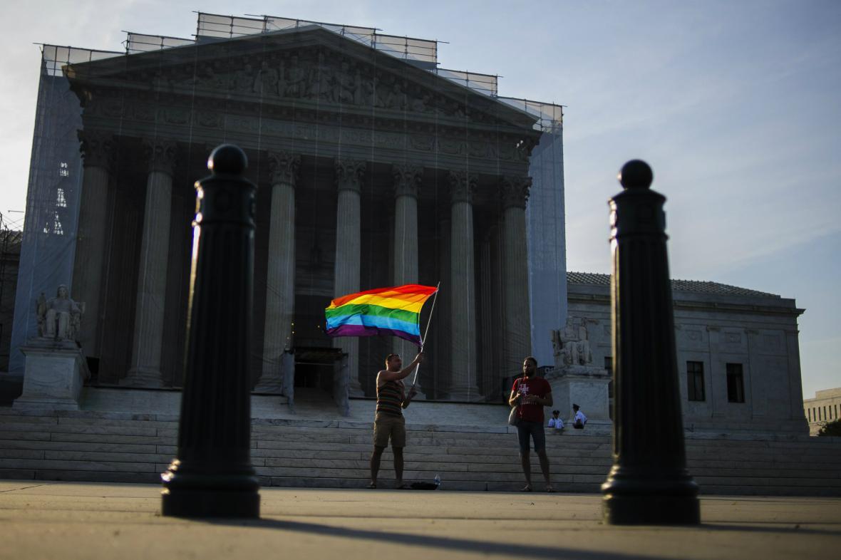 Nejvyšší soud USA zrušil normu na ochranu manželství