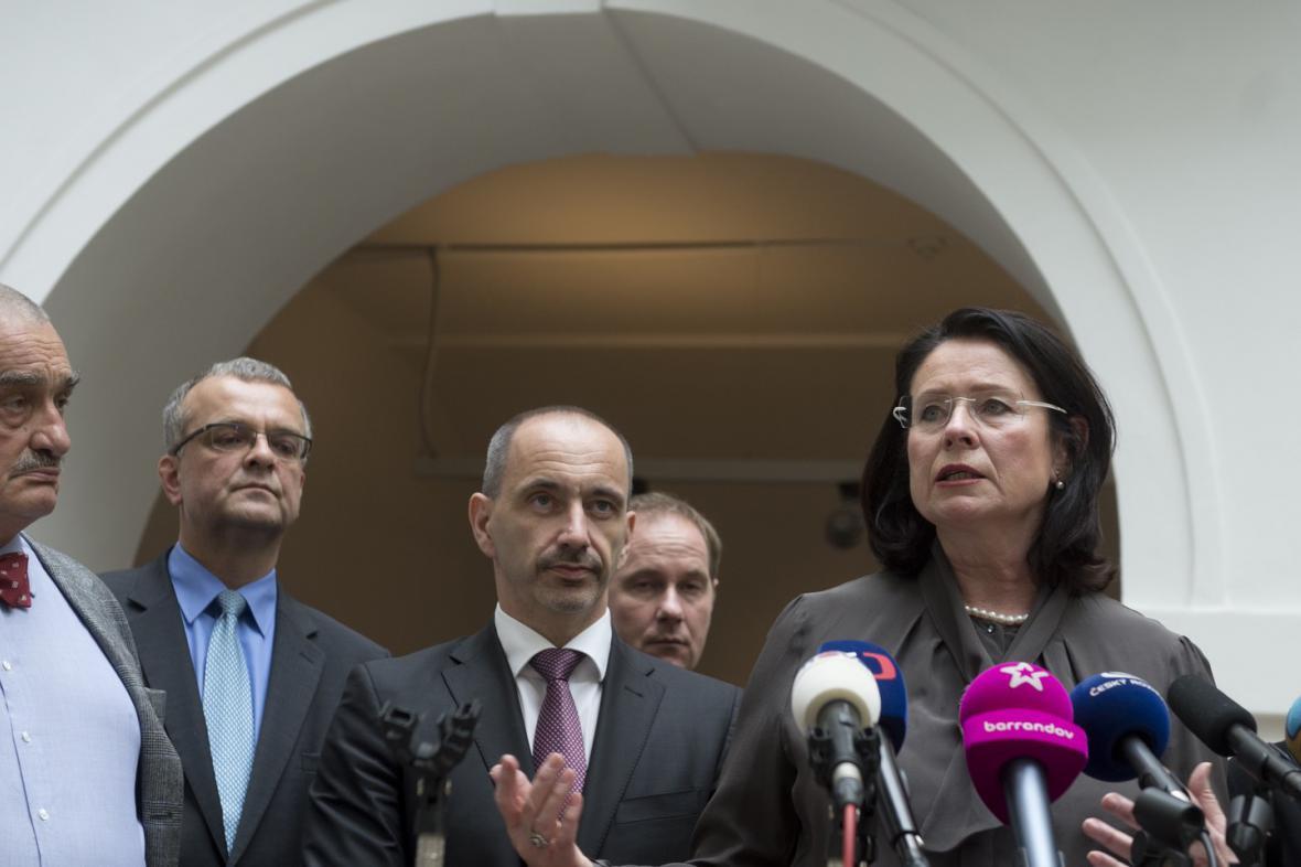 Koalice oznamuje, že sesbírala 101 podpisů pro podporu případné nové vlády