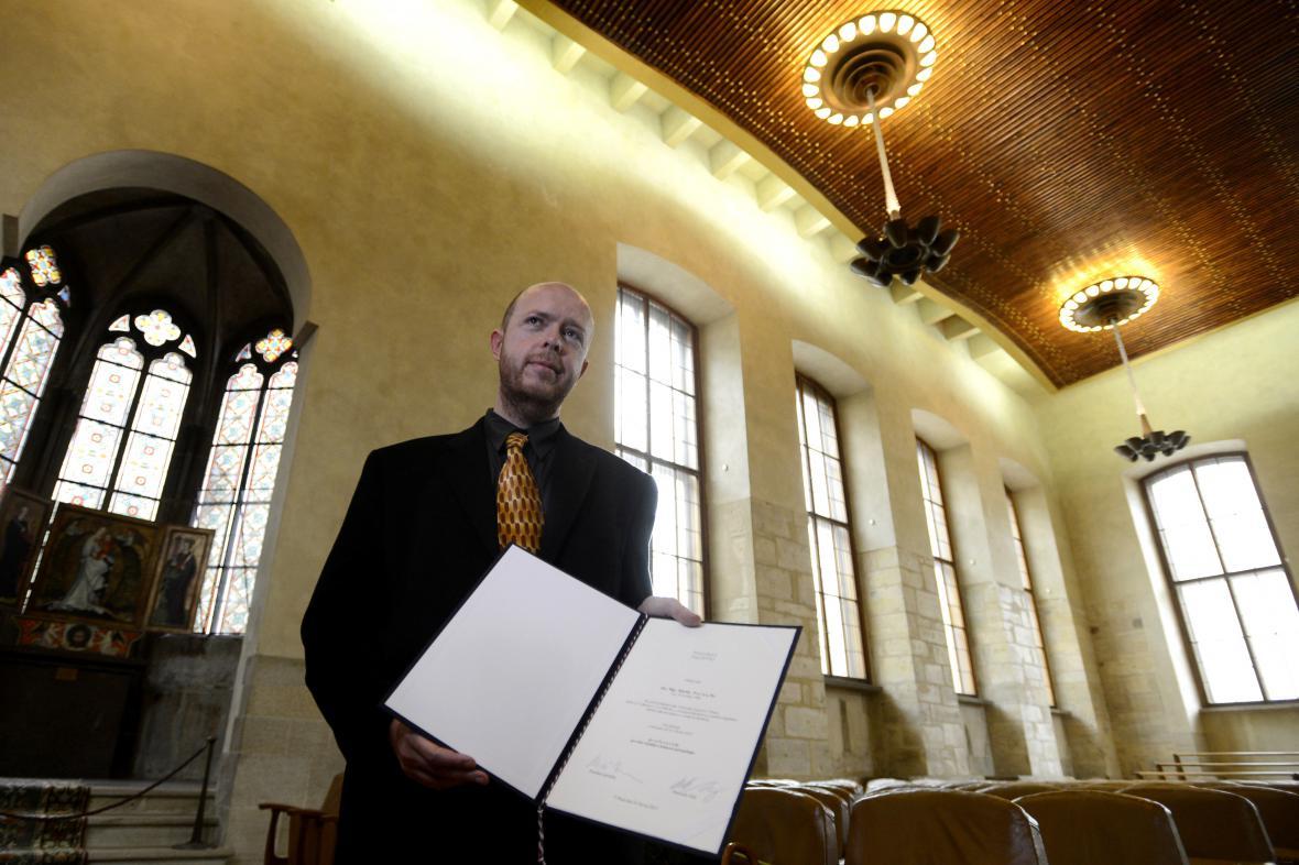 Martin C. Putna s profesorským dekretem