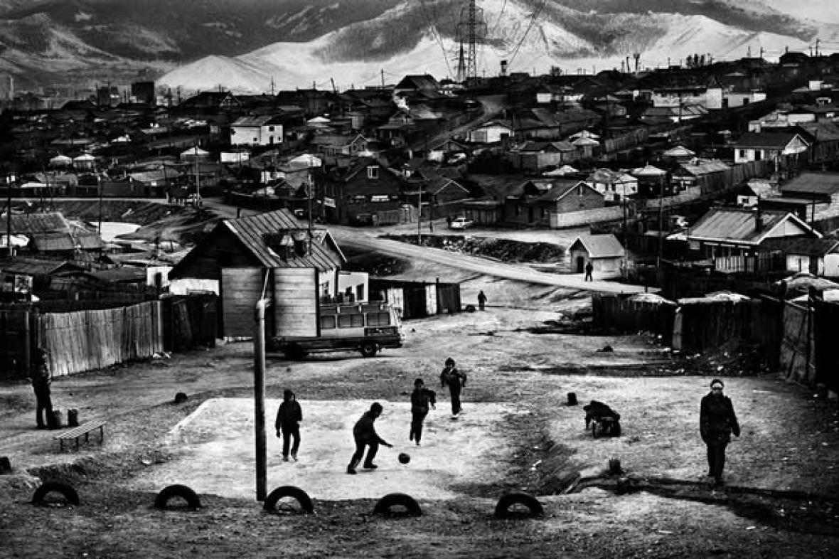 Jacob Aue Sobol / z cyklu Příjzedy a odjezdy, Moskva - Ulánbátar - Peking