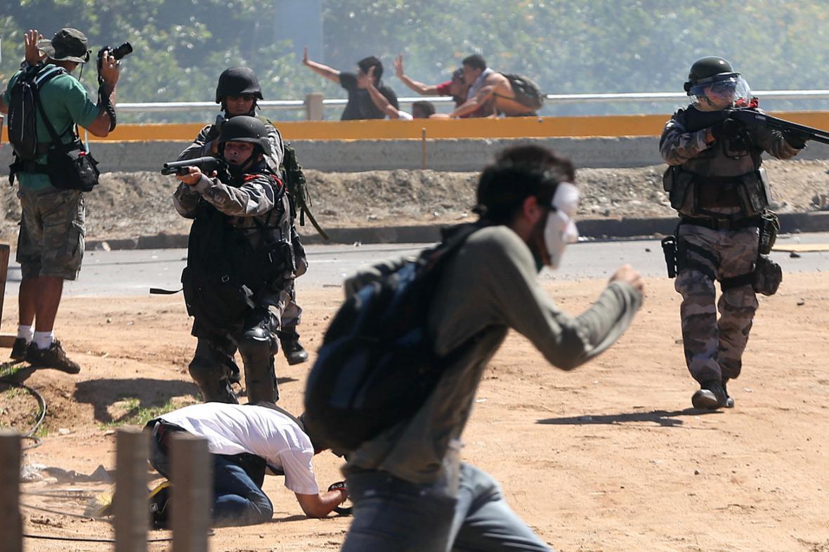 Brazilská policie rozhání demonstranty ve Fortaleze