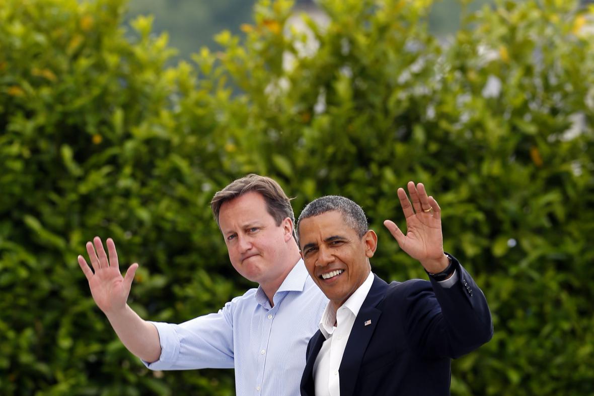Barack Obama a David Cameron na summitu G8