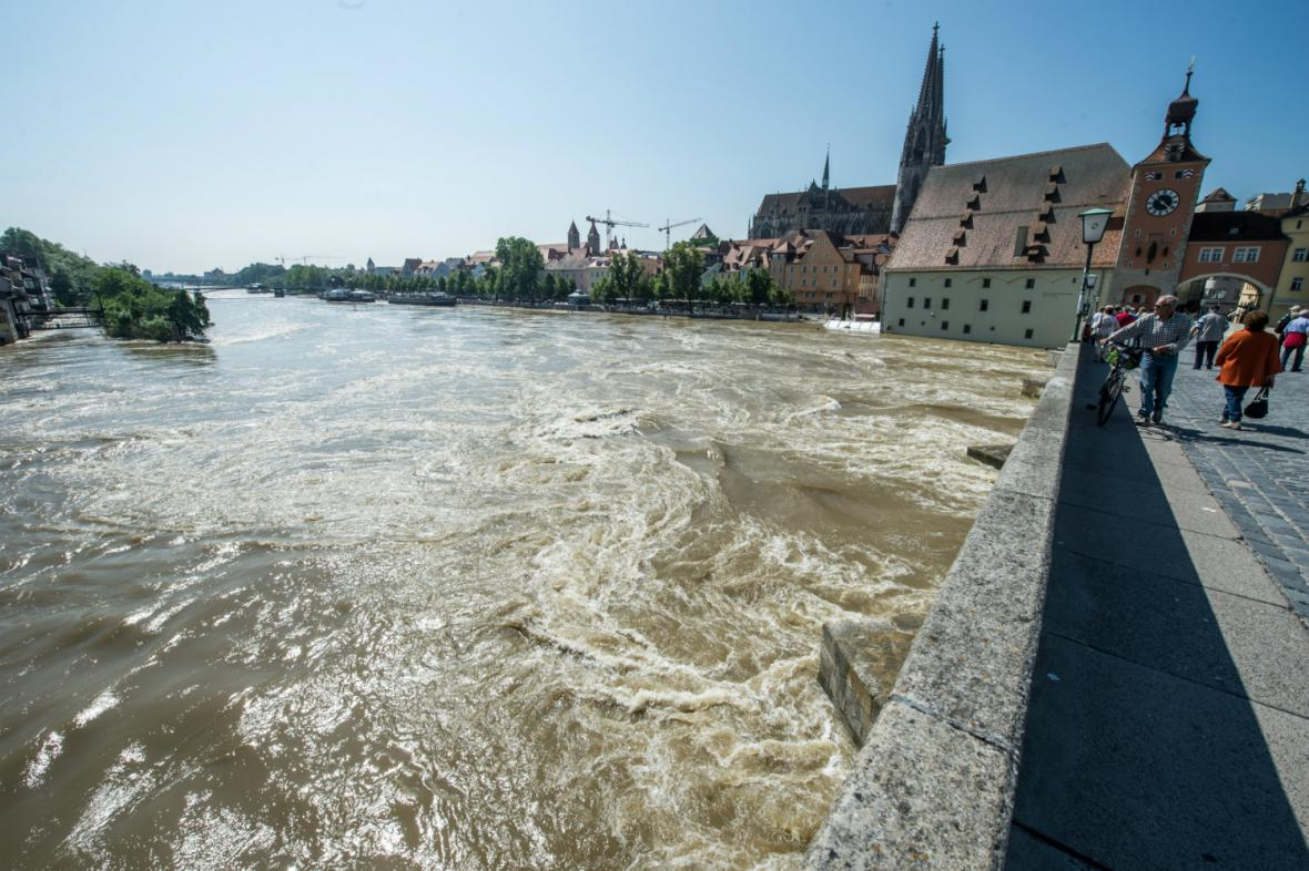 Velká voda na Dunaji v Řeznu