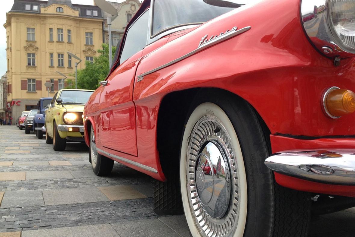 Veteráni v ulicích Ostravy