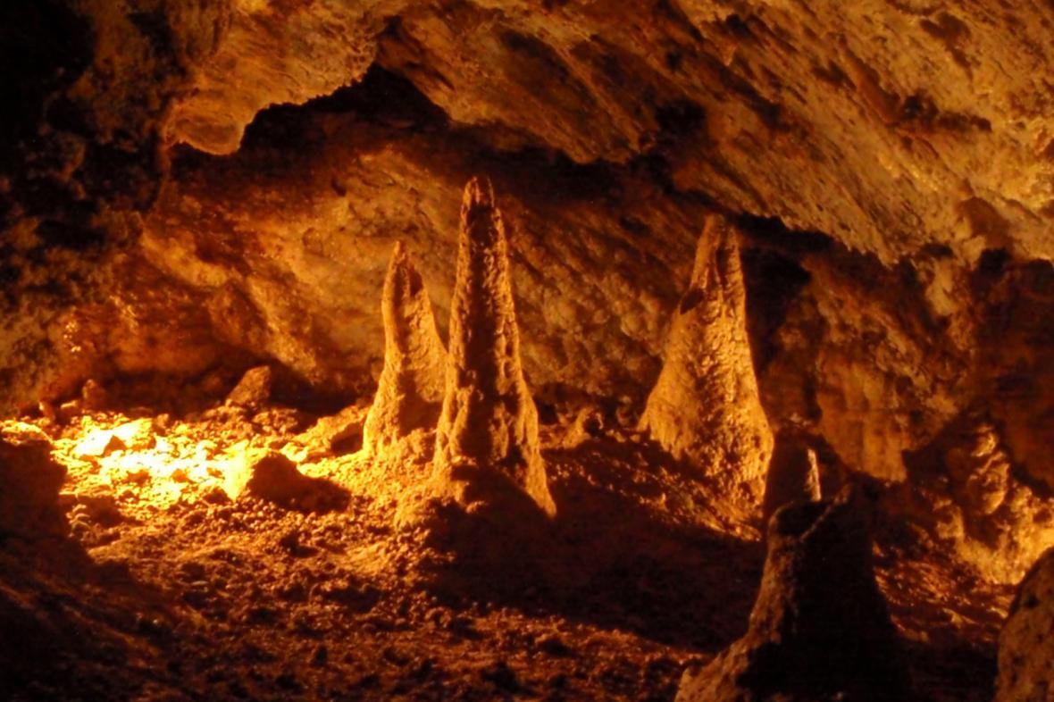 Gejzírové stalagmity