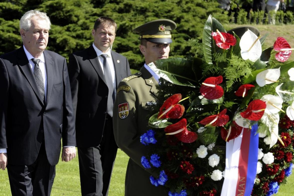 Miloš Zeman při terezínské tryzně (2013)