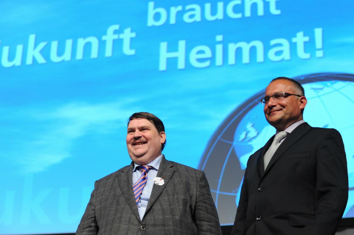 Bernd Posselt a David Vondráček během sjezdu sudetských Němců