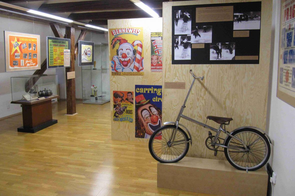 Výstava Cirkus jede do světa v Prachaticích