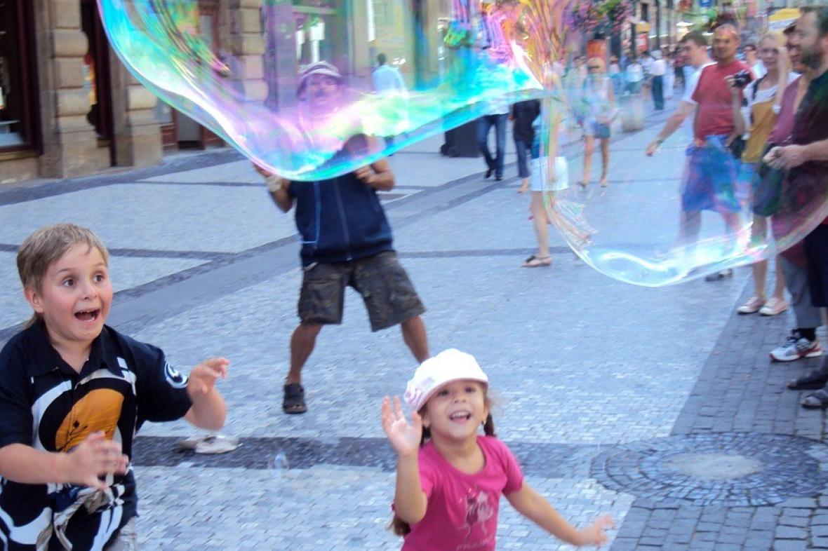 Bublinář v pražské ulici Na Příkopech