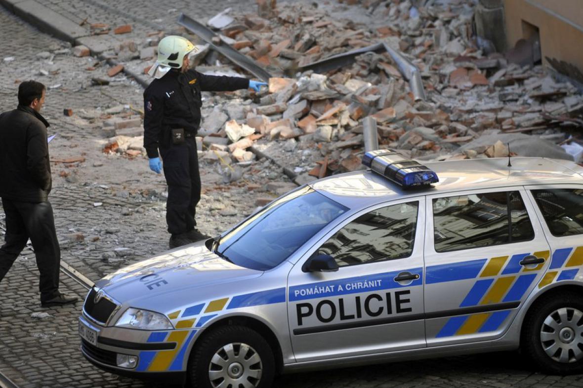 V Olomouci se zřítila část domu
