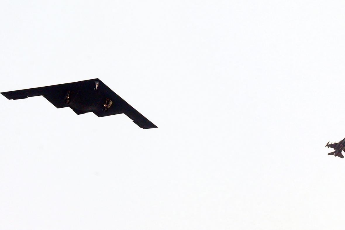 Přelet bombardéru B-2 nad Jižní Koreou