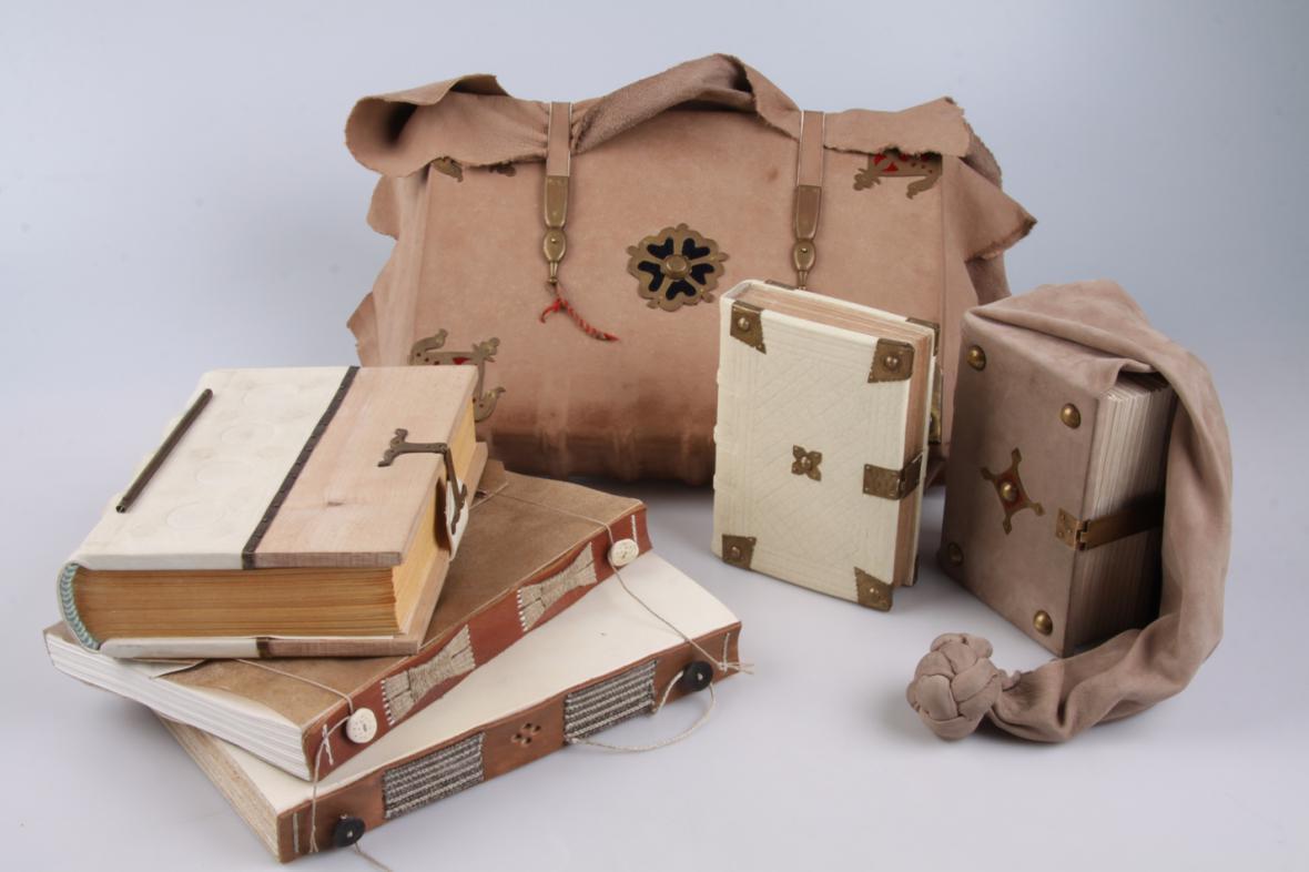 Makety gotické knižní vazby