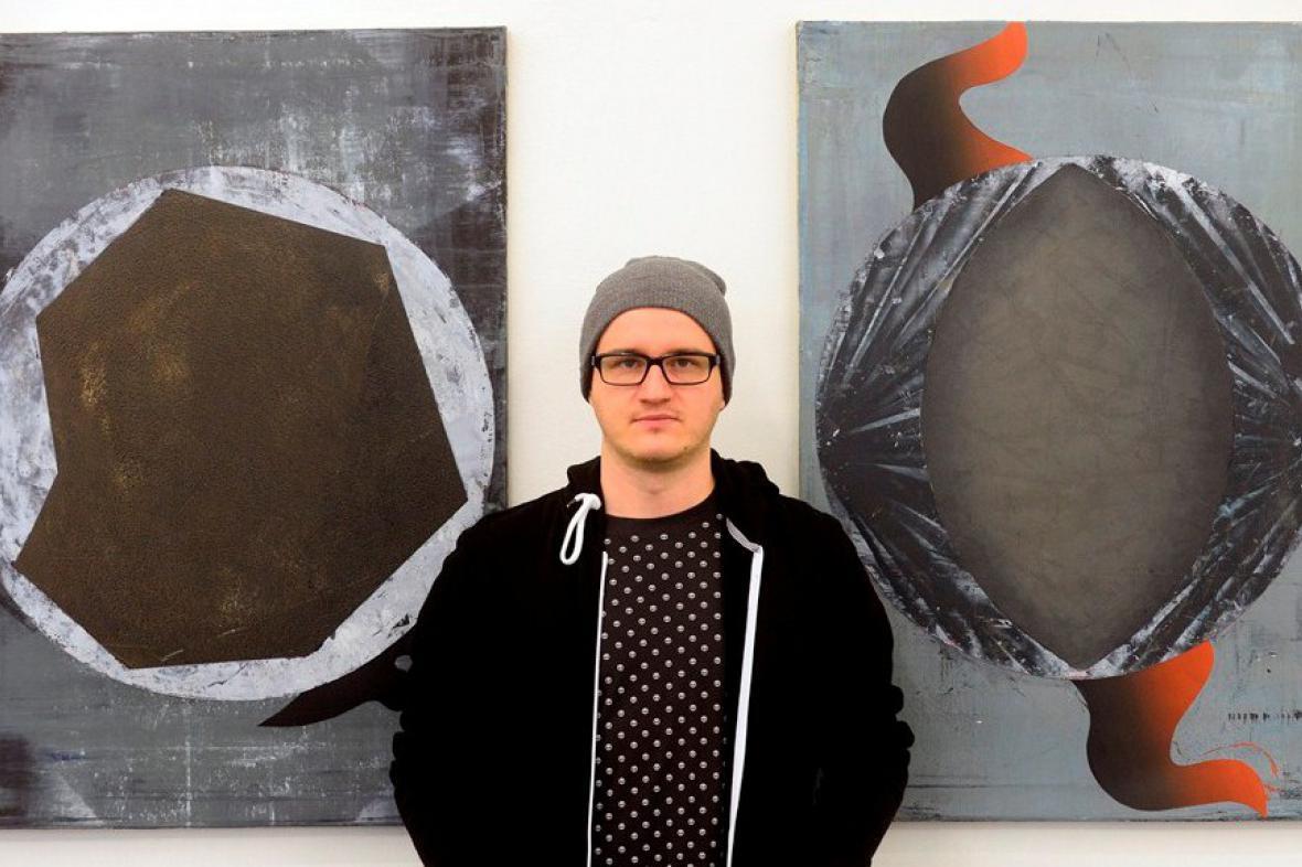 Vladimír Houdek při zahájení výstavy Řeřavý úběl