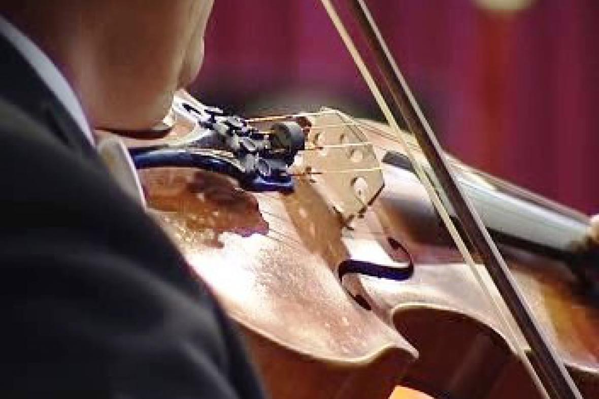 Hra na housle