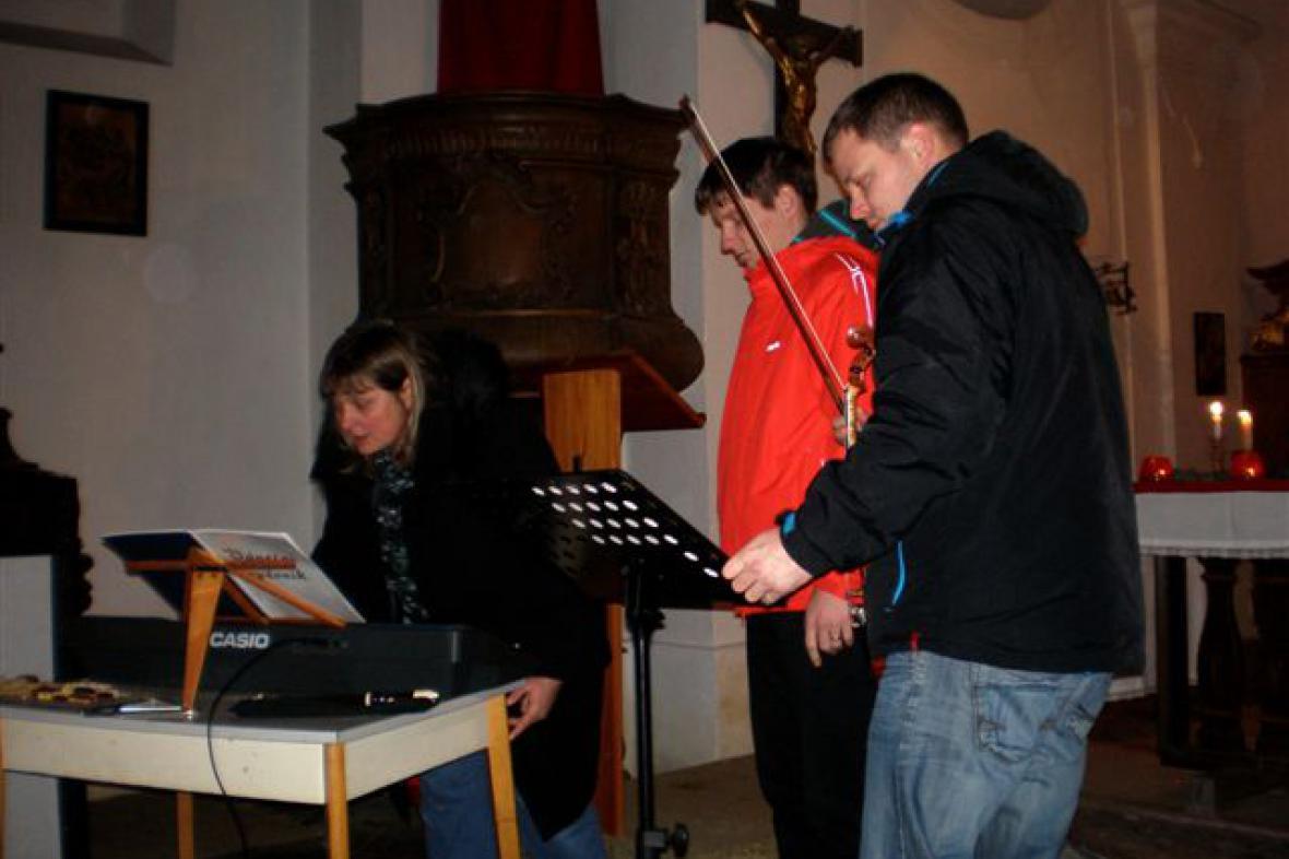 Štědrovečerní zpívání v Košticích