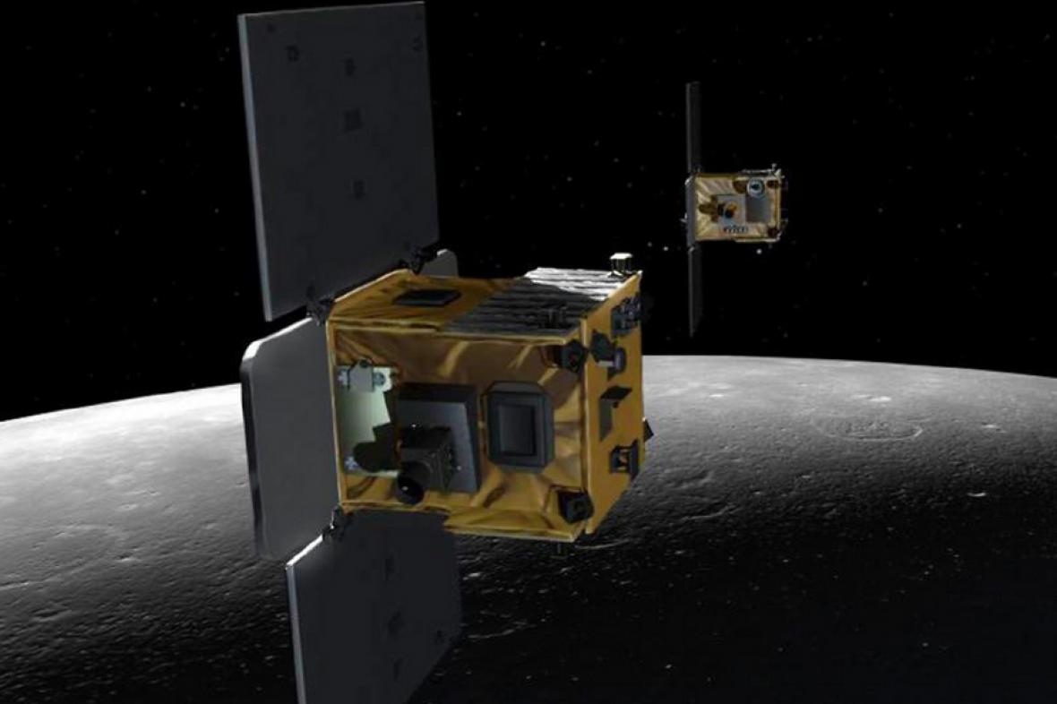 Americké sondy Příliv a Odliv nad Měsícem