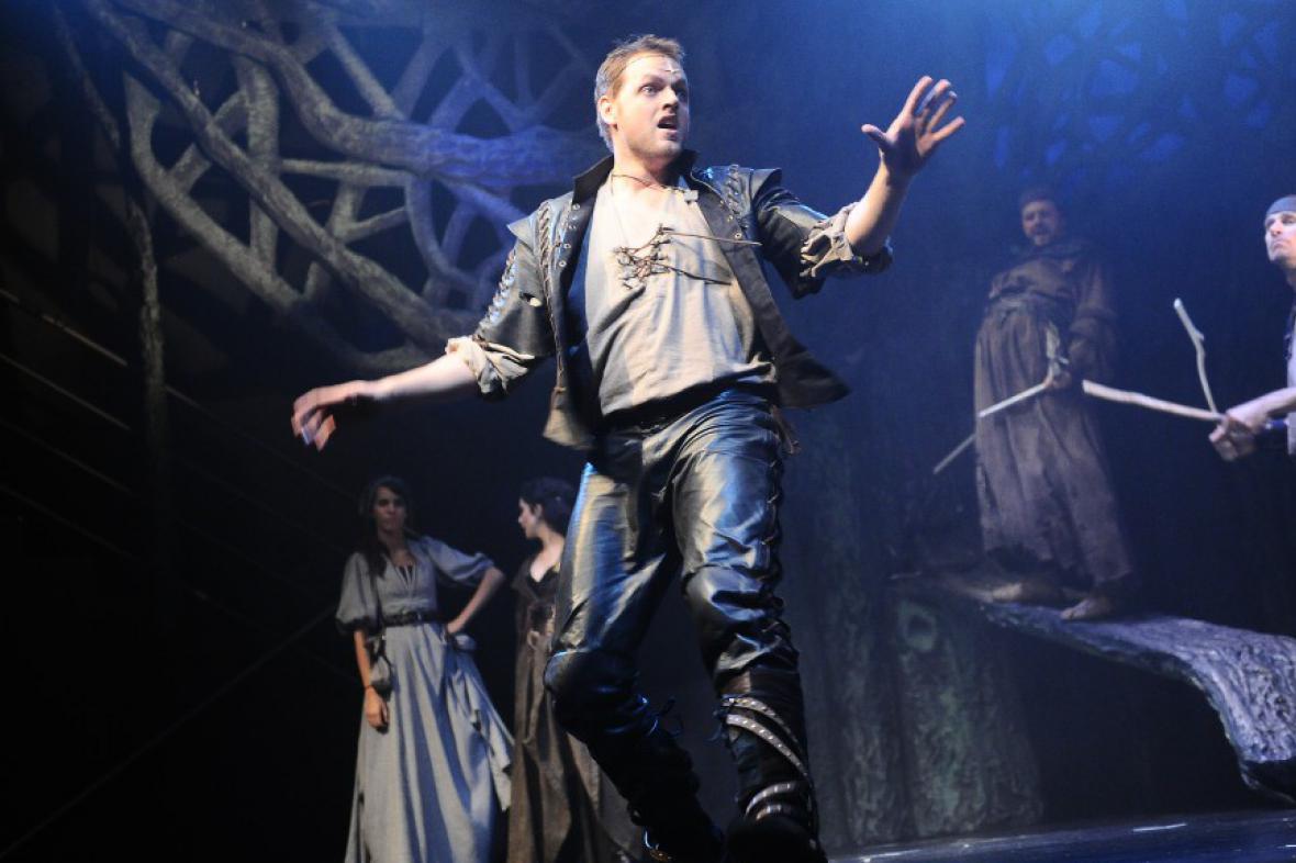 Jan Kříž v představení Robin Hood