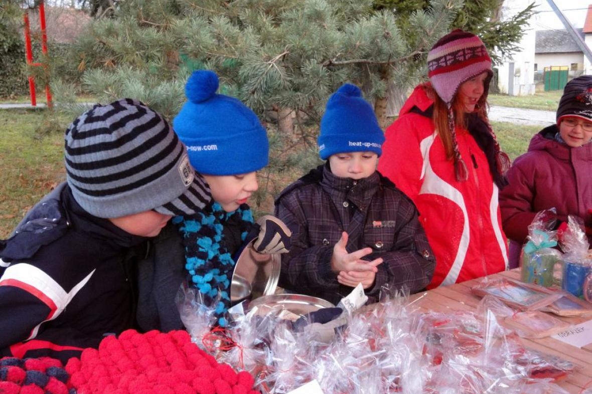 Vánoční zdobení a jarmark v Líšnici