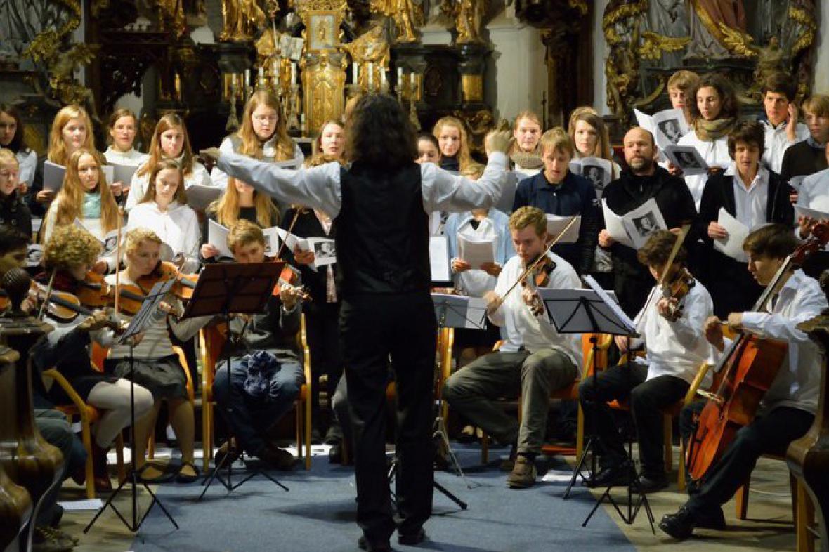 Orchestr Arcibiskupského gymnázia