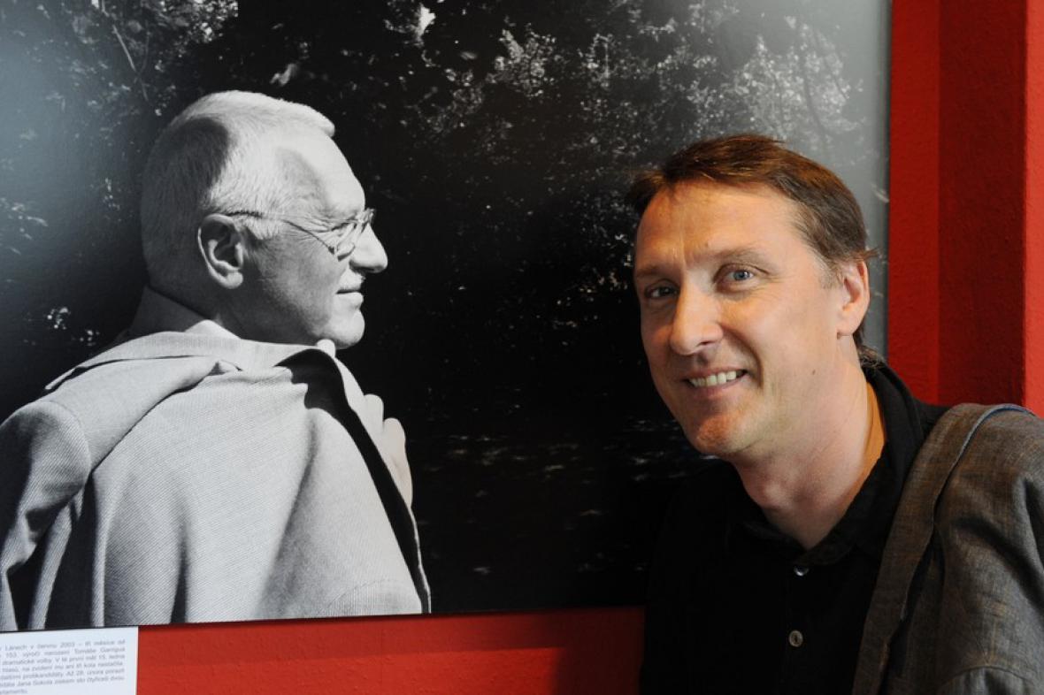 Václav Klaus na fotografii Herberta Slavíka (vpravo)