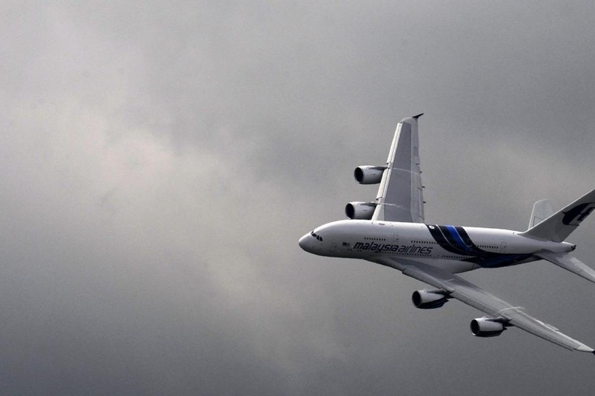 Airbus A380 představený na aeroshow ve Farnborough