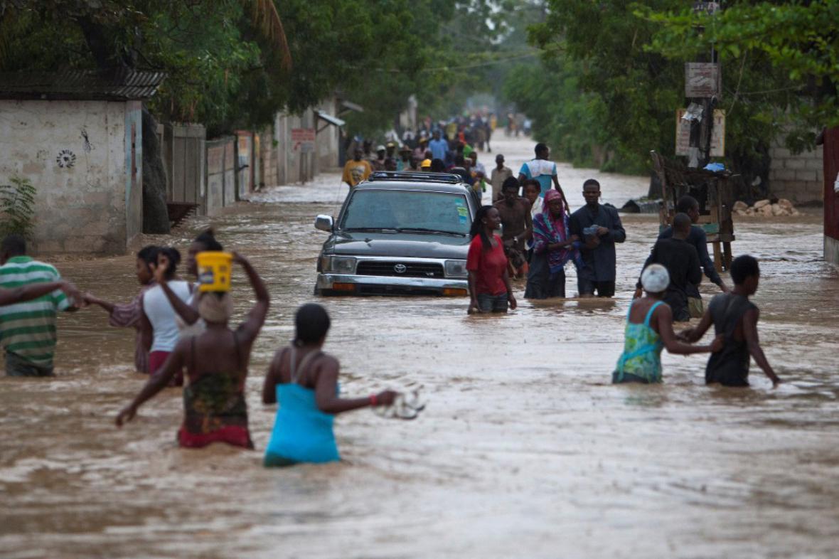 Záplavy na Haiti po tropické bouři Isaac