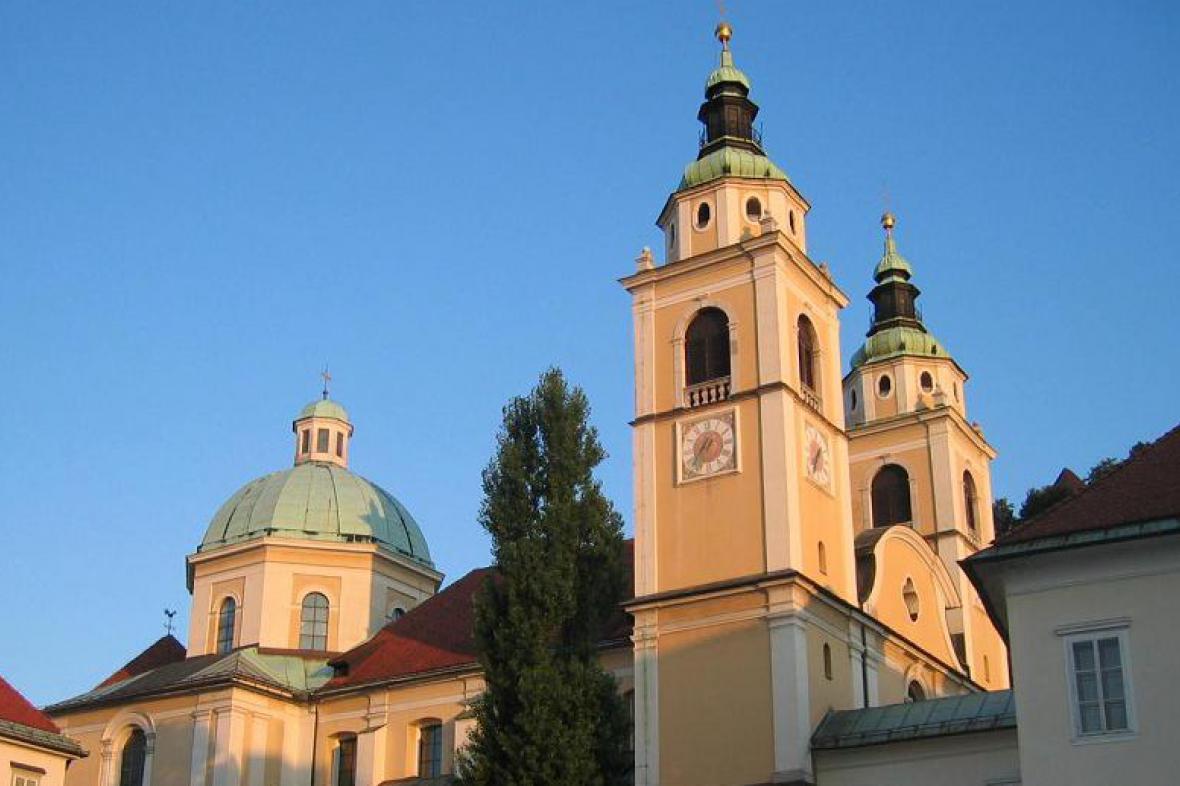 Dóm svatého Mikuláše v Lublani