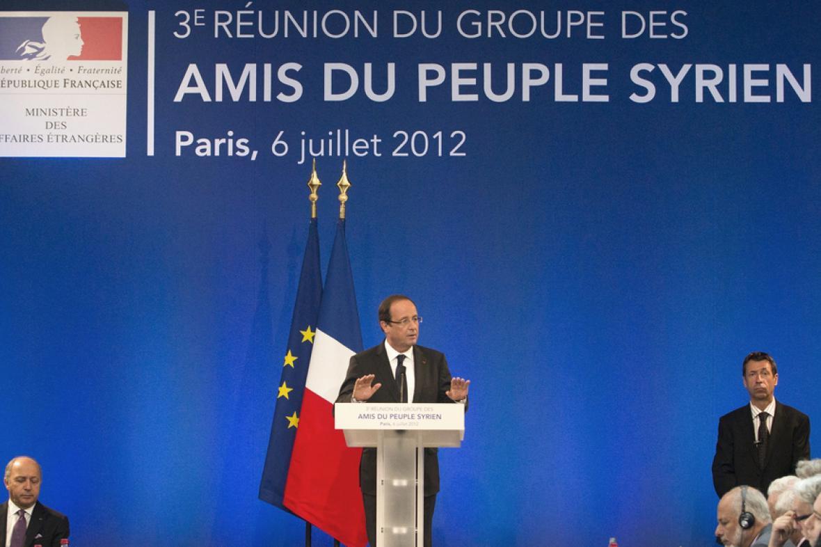 Francouzský prezident Hollande na konferenci o Sýrii