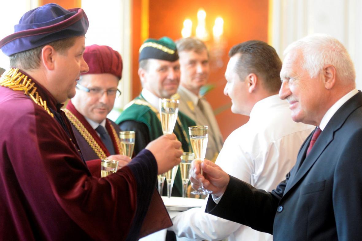 Václav Klaus jmenoval tři nové rektory