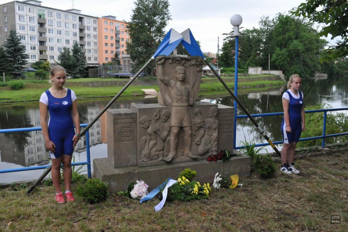 Vzpomínka na popravené lounské veslaře