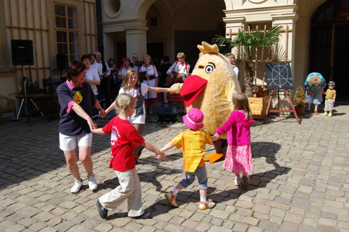 Tanec s Kuřetem - Mníšek pod Brdy