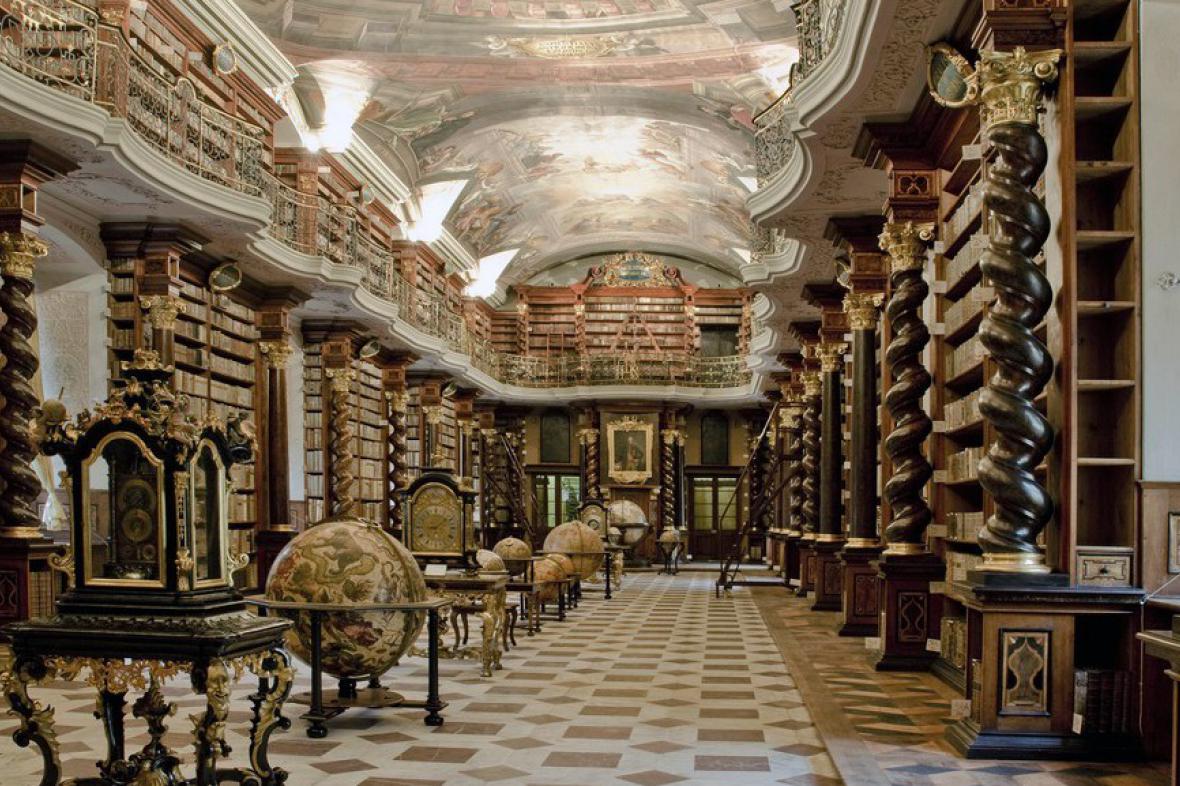 Barokní knihovna pražského Klementina