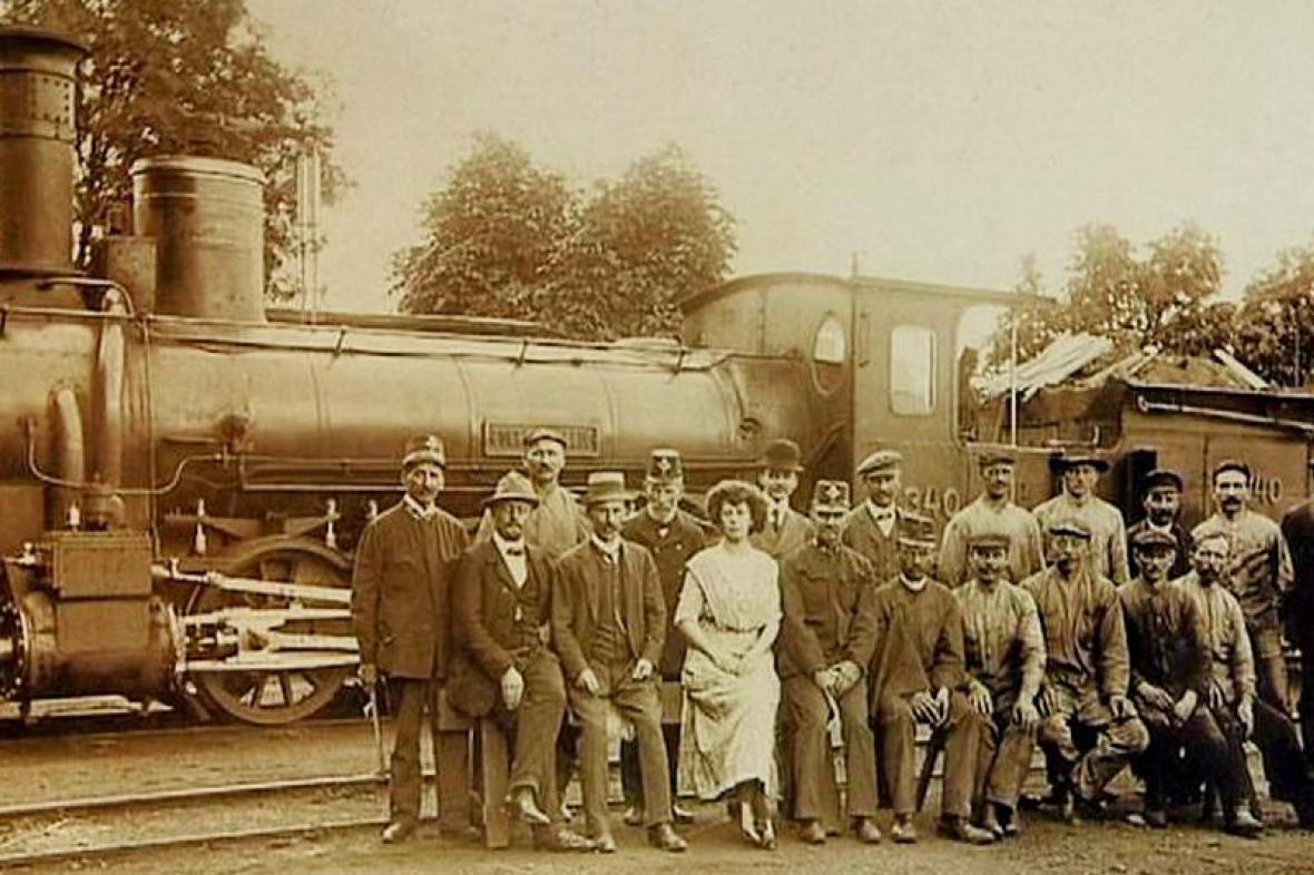 Lokomotiva Conrad Vorlauf na dobové fotografii