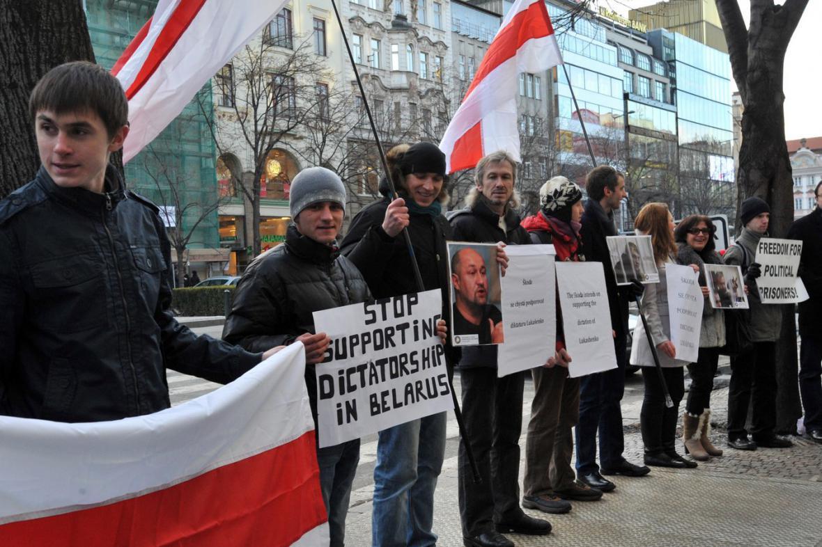 Demonstrace proti Škodě na Václavském náměstí